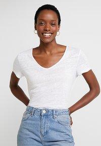 Esprit - BOW - T-shirt imprimé - white - 0