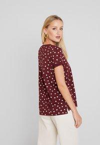 Esprit - CORE - T-shirt z nadrukiem - garnet red - 2