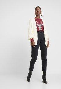 Esprit - PRINT - T-shirt à manches longues - garnet red - 1