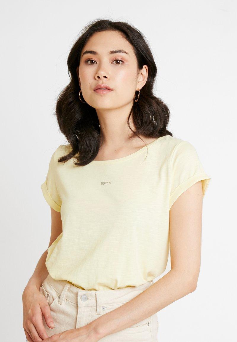 Esprit - LOGO LIBELL - T-shirts basic - pastel yellow