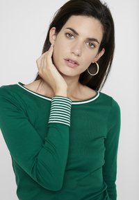 Esprit - CORE - Maglietta a manica lunga - bottle green - 4