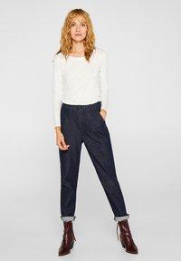 Esprit - MIT SLUB-STRUKTUR - Long sleeved top - off white - 1