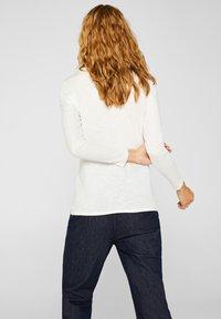 Esprit - MIT SLUB-STRUKTUR - Long sleeved top - off white - 2