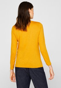 Esprit - MIT SLUB-STRUKTUR - Long sleeved top - honey yellow - 2