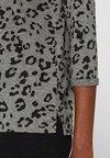 Esprit - MIT LEO-PRINT UND PAILLETTEN - Long sleeved top - gunmetal