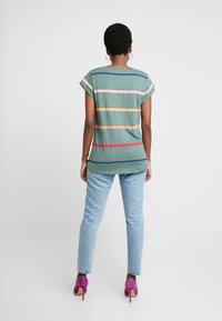 Esprit - CORE OCS AOP T - Print T-shirt - khaki green - 2