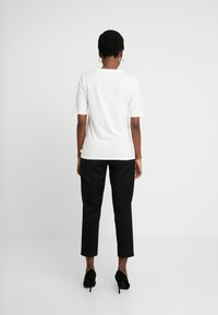Esprit - SG-010EE1K315       CORE OCS AW T - T-shirt con stampa - off white - 2