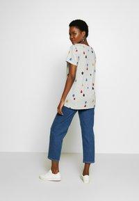 Esprit - T-shirt con stampa - light grey - 2