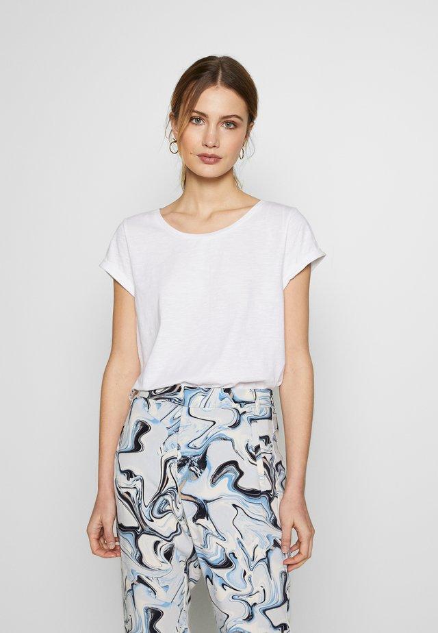 CORE - Camiseta básica - white