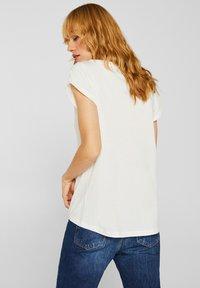 Esprit - MIT ARTWORK - T-shirt con stampa - off white - 2