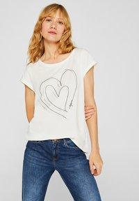 Esprit - MIT ARTWORK - T-shirt con stampa - off white - 0