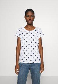 Esprit - CORE - T-shirts med print - white - 0