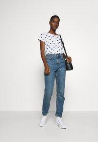 Esprit - CORE - T-shirts med print - white - 1