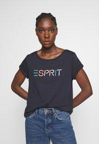 Esprit - CORE - T-shirts med print - navy - 0