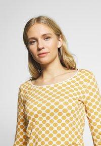 Esprit - CORE - Camiseta de manga larga - yellow - 4