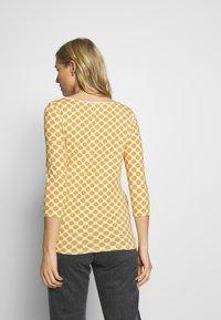 Esprit - CORE - Camiseta de manga larga - yellow - 2