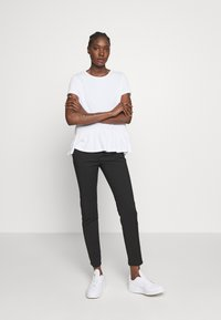 Esprit - T-shirts med print - white - 1