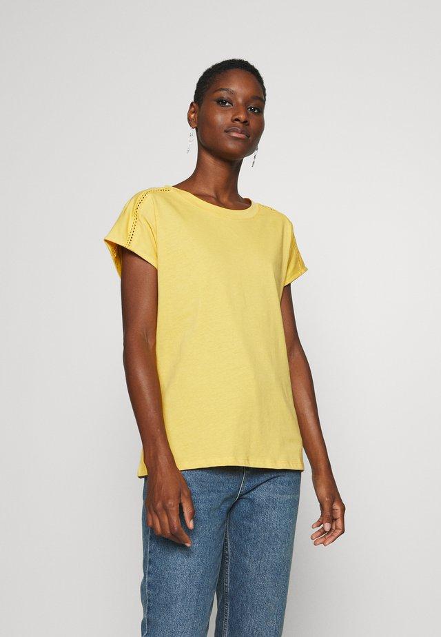 BANDANASCAF - T-shirt print - yellow