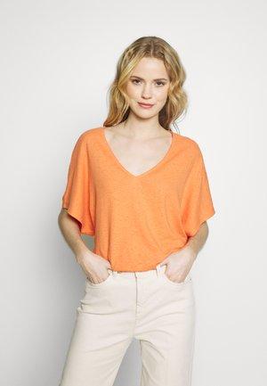 Jednoduché triko - rust orange