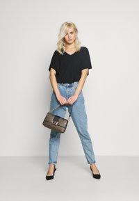 Esprit - T-shirts - black - 1