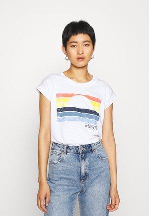CORE SUN - T-shirts med print - white