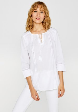 MIT SPITZE UND BINDEBÄNDCHEN - Bluse - white