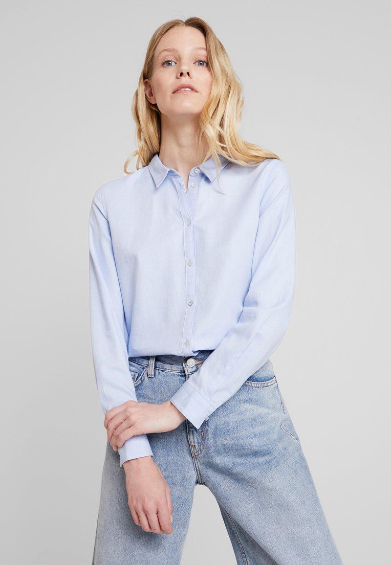 Esprit - SOFT OXFORD - Button-down blouse - light blue