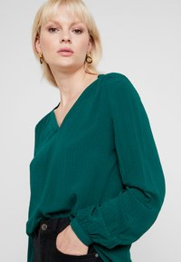 Esprit - CASUAL DOBBY - Tunic - bottle green - 5