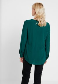 Esprit - CASUAL DOBBY - Tunic - bottle green - 3