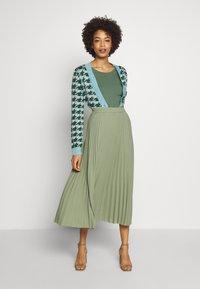 Esprit - Jersey de punto - khaki green - 1