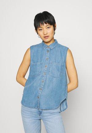 BLOUSE - Skjorte - blue light wash