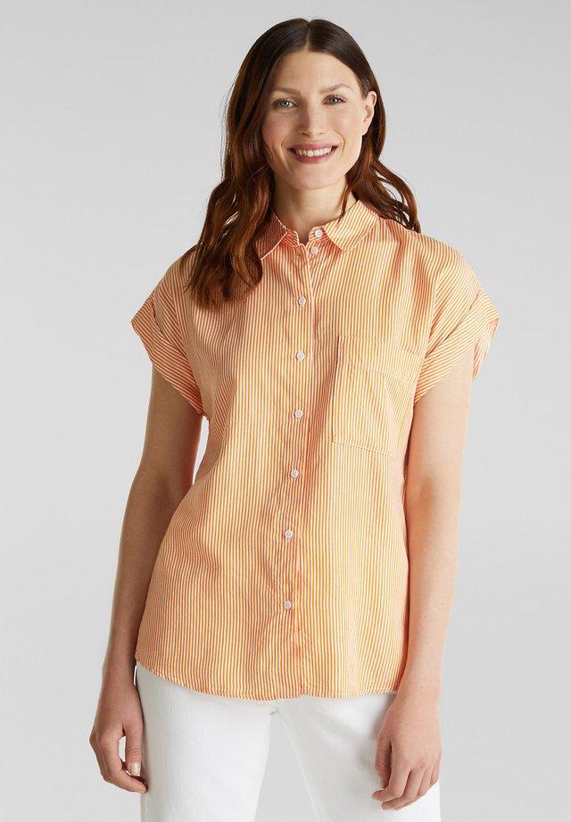 PINSTRIPE - Skjorta - orange