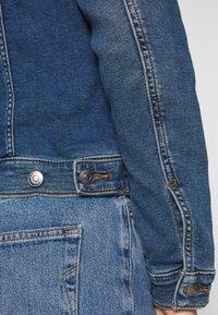 Esprit - WAISTED - Kurtka jeansowa - blue medium - 5