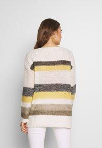 Esprit - STRIPED - Jersey de punto - dusty yellow - 2