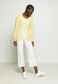 Esprit - Lett jakke - dusty yellow - 1