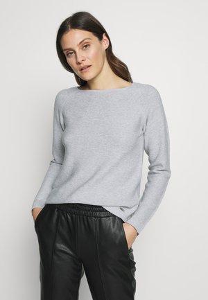 Strikkegenser - light grey