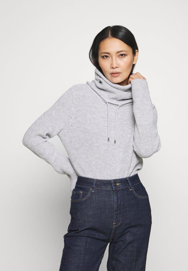 SPORTY NECK  - Stickad tröja - light grey