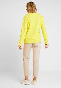 Esprit - PRIDE C&K CAPSULE UNISEX - Sweater - yellow - 3