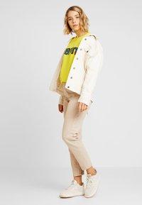 Esprit - PRIDE C&K CAPSULE UNISEX - Sweater - yellow - 1