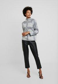 Esprit - TURTLENCK - Sweter - light grey 5 - 1