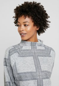 Esprit - TURTLENCK - Sweter - light grey 5 - 3