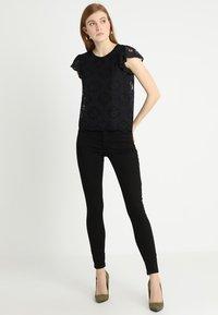Esprit - Jeansy Slim Fit - black - 1
