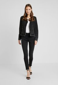 Esprit - Vaqueros pitillo - black dark wash - 1
