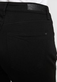 Esprit - Jeansy Slim Fit - black - 4