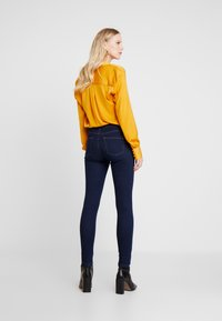 Esprit - Jeansy Skinny Fit - blue rinse - 2
