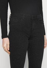 Esprit - Slim fit jeans - black dark wash - 3