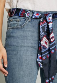 Esprit - Bootcut jeans - blue medium wash - 4
