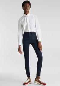 Esprit - MIT NEUEN TASCHEN - Jeans Skinny - navy - 0