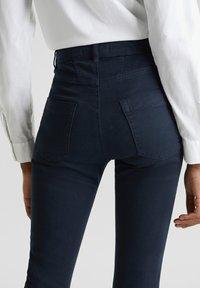 Esprit - MIT NEUEN TASCHEN - Jeans Skinny - navy - 4