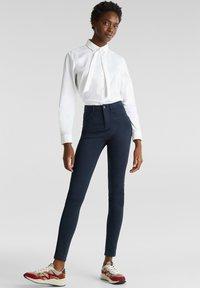 Esprit - MIT NEUEN TASCHEN - Jeans Skinny - navy - 1